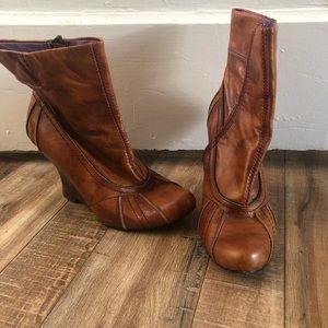 Vintage Kenzie ankle wedge boots
